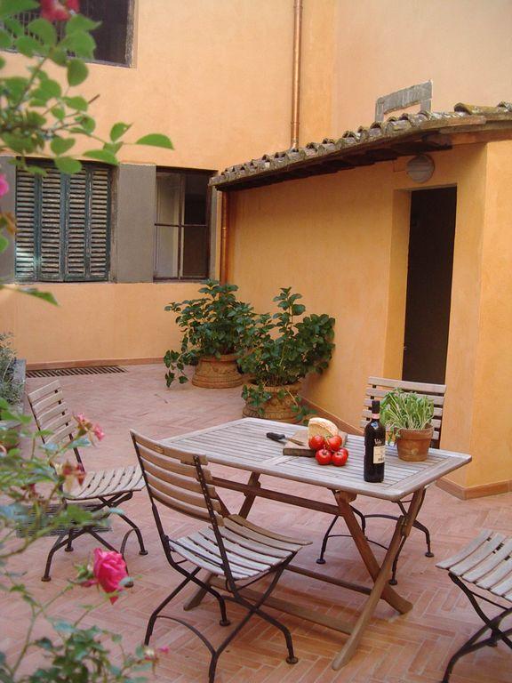 """Ferienwohnung """"Casa Vecchia Cucina"""" – Villa di Meleto"""